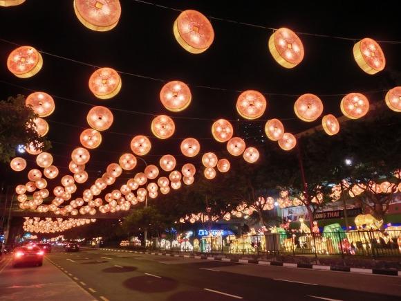 メインストリートのライトアップ|旧正月のシンガポール・チャイナタン