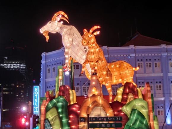 羊の巨大ハリボテ|旧正月のシンガポール・チャイナタン