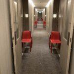 隔離ホテルの廊下